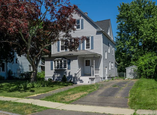 5 Benefits of downsizing your house in Springfield MA